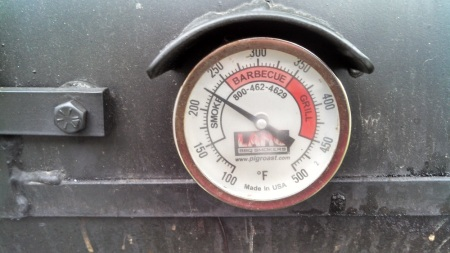smoker cooker low and slow keeping temp